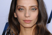 Angela-sarafyan-easy-evening-hairstyle-and-makeup-side